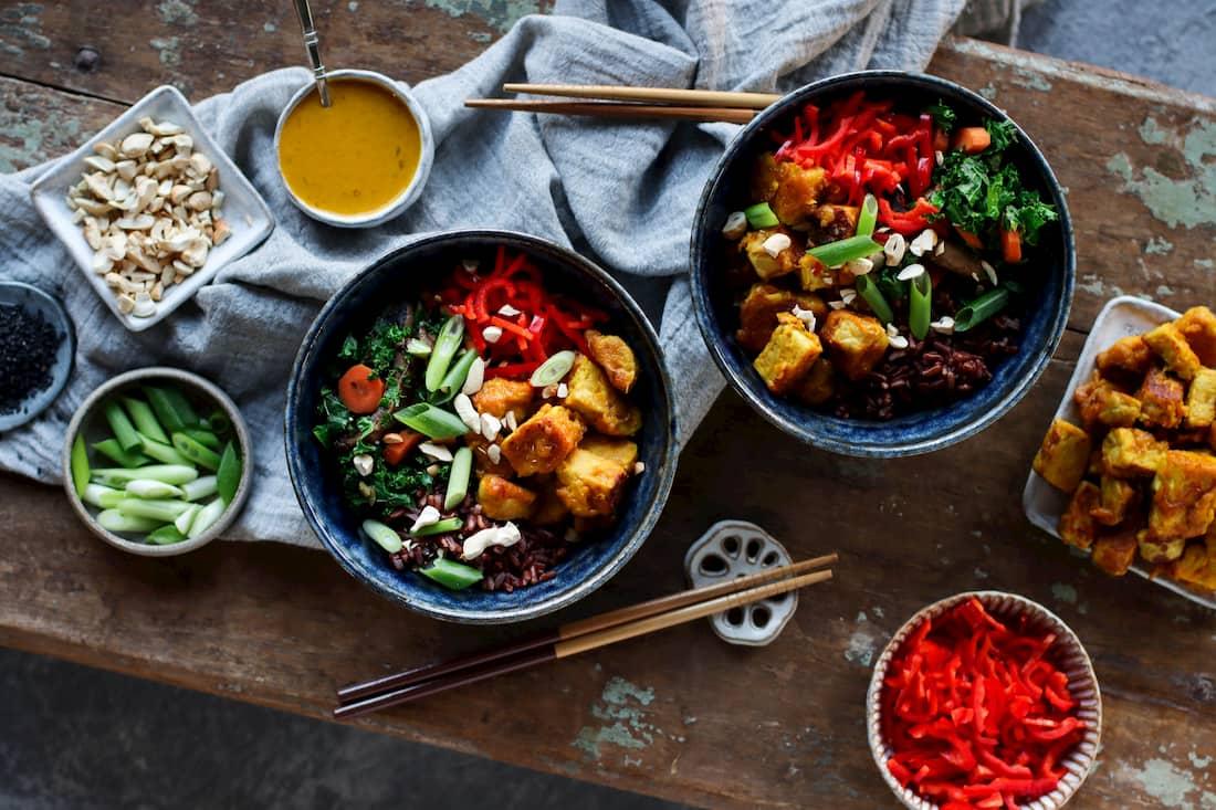 golden tempeh nourish bowl