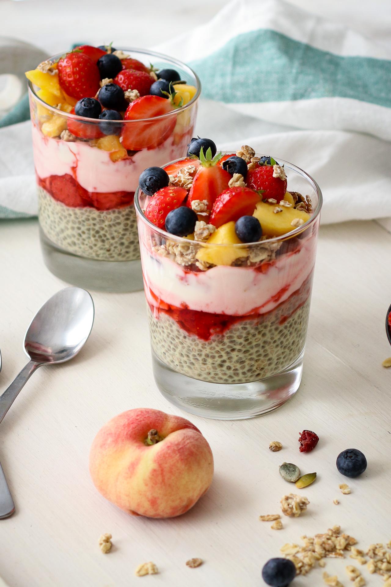 vanilla berry chia seed pudding
